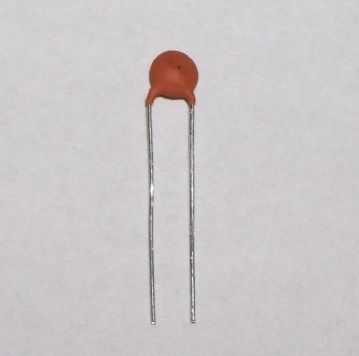 10pF Ceramic Disc Capacitor 2.5mm Pitch Pack of 10